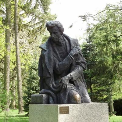 PL_Chopin_monument_in_Zelazowa_Wola_05